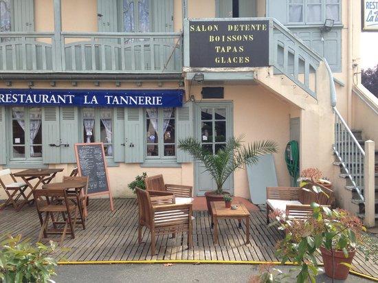 La Tannerie : salon détente pour une boisson, tapas, glaces, crêpe etc..