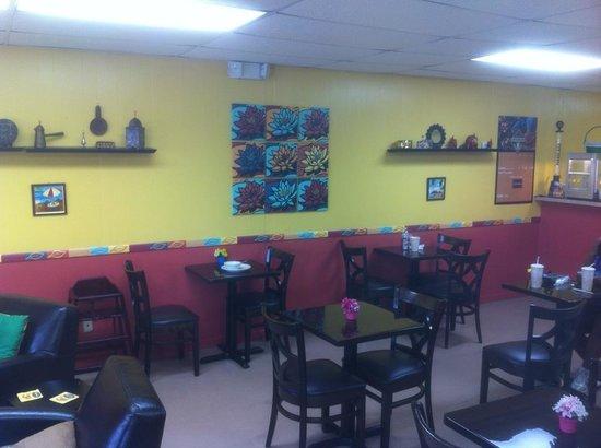 Tropical Cafe: getlstd_property_photo