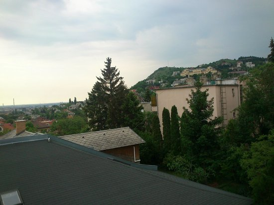 Jagello Business Hotel: View from room 2 -Sashegy