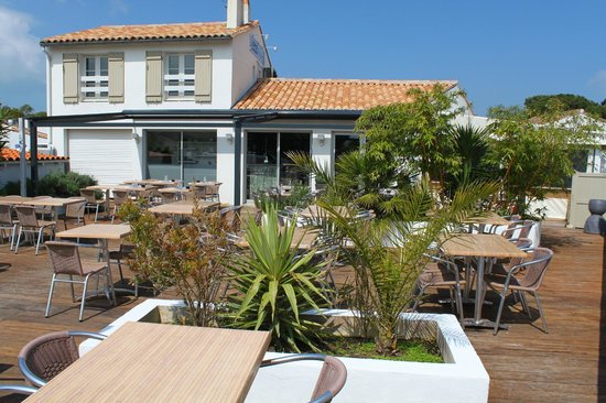 Vaste Terrasse Picture Of Le Re Galet Rivedoux Plage