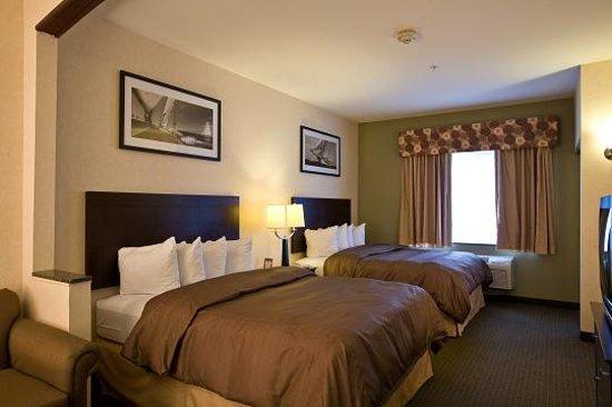 Comfort Suites Elgin: Double Queen Suite