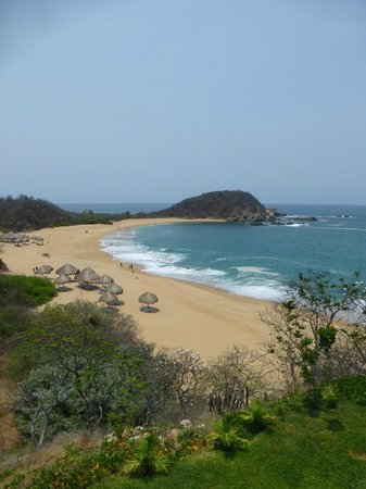 Secrets Huatulco Resort & Spa: More beach