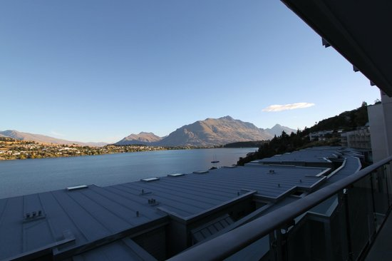 The Rees Hotel & Luxury Apartments: The Amazing View!!