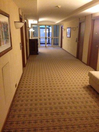 Park Hotel Ai Cappuccini: corridoio