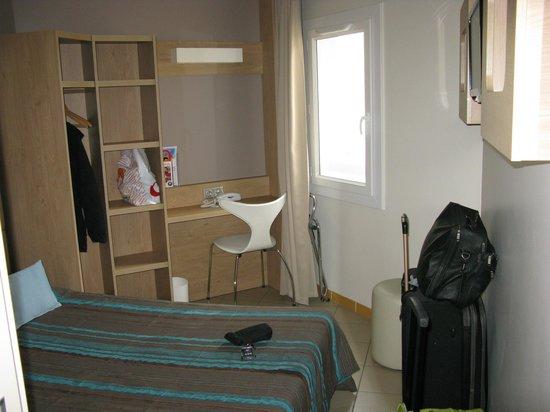 Hôtel Espace Cité : Habitación