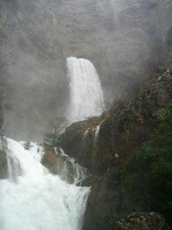 Rio Mundo Headwaters : cascada del rio mundo