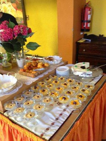 Urinsaya: Dessert corner