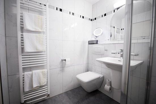 Hotel Langenwaldsee: Badezimmer