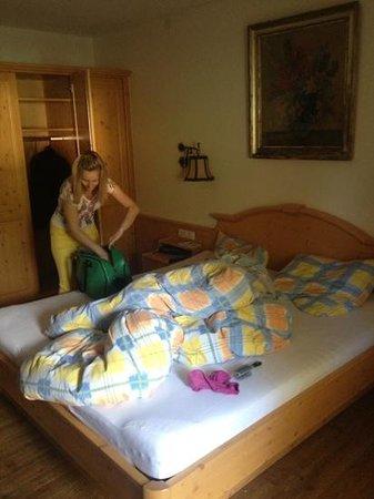 Hotel Wolf : спальная в номере