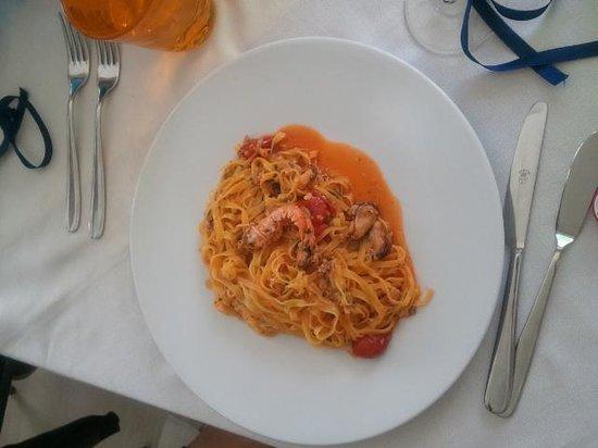 Terrazzamare restaurant: TAGLIOLINI ALLO SCOGLIO