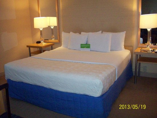 La Quinta Inn & Suites Deerfield Beach I-95: King Bed