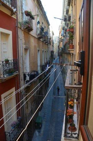 Affittacamere Castello : Vue depuis la fenêtre de la chambre sur la via Alberto Lamarmora