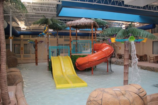 Palm Island Indoor Waterpark: Palm Island Indoor Water Park