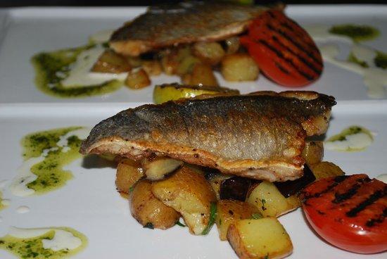 Barbarossa Restaurant Pizzeria: flash-fried sea bream fillet