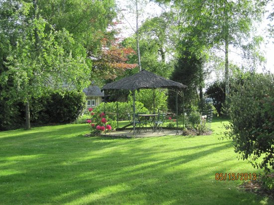 Domaine les Marronniers : Amenities in the garden