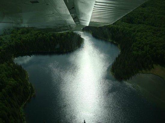 Alaska Bush Float Plane Service: Vistas cálidas