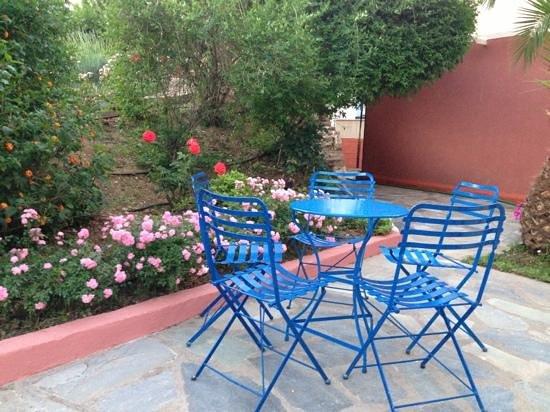 Alkyon Apartments & Villas Hotel: fuori villa