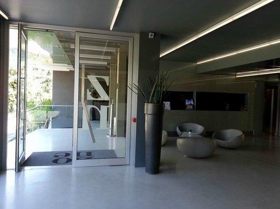 Hotel Zone: Hotel entrance