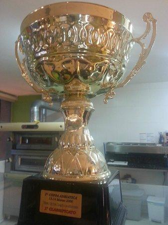 Pizzeria Quo Vadis: Trofeo 1º clasificado campeonado italiano de pizza 2006