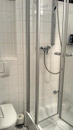 Hotel Fuerst Bismarck : Banheiro