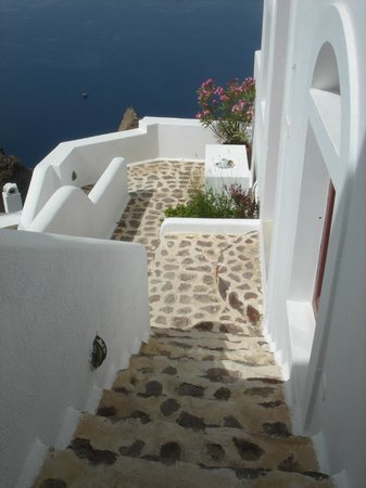 Aigialos Hotel: stairs down to the ground floor