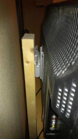 Holiday Inn Santee : nice tv mount