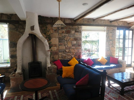 Isla Suasi Hotel : sitting area