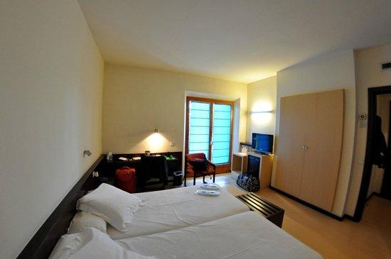 Hotel Emporda: Habitación standard