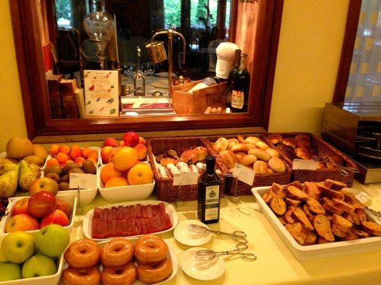 Hotel Emporda: Desayuno