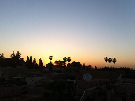 Riad l'Orangeraie: Sunset from the rooftop