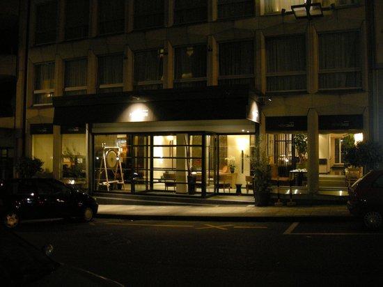 Hotel Jade - Manotel Geneva : Hotel entrance