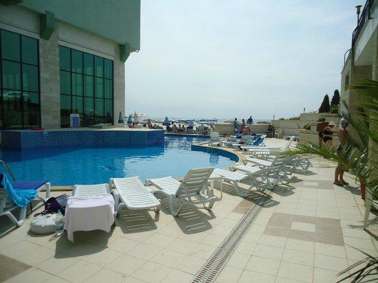SENTIDO Bilyana Beach: Small Pool