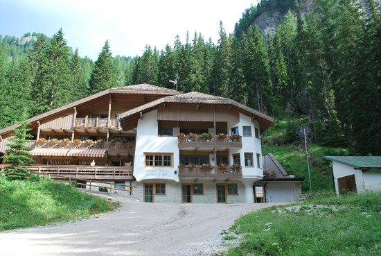 Villetta Maria Ristorante-Albergo: Widok na hotelik