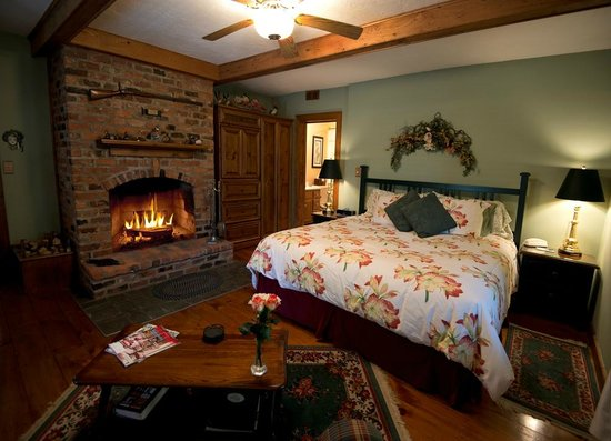 Lovill House Inn - Bed and Breakfast: Oldest room in the inn wide pine plank floors w/wood burning fireplace