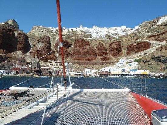 Santorini Sailing : hows that view?