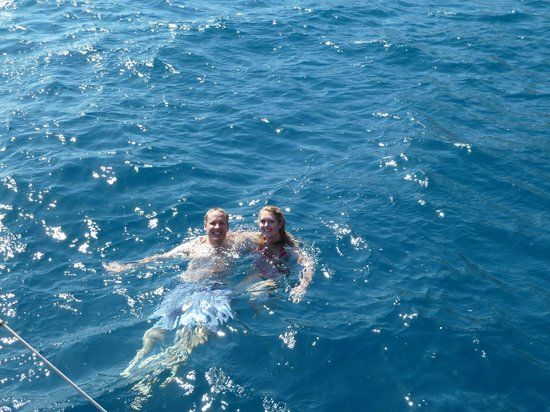 Santorini Sailing : swim off the back of the boat