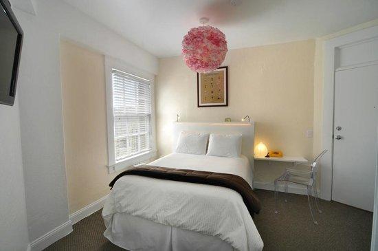 Edwardian San Francisco Hotel : Standard Queen Room