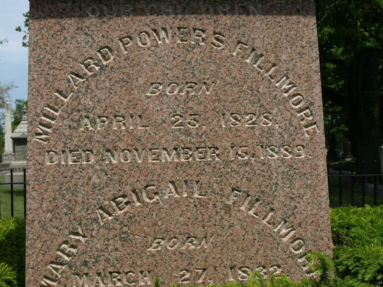 Forest Lawn: Tombstone