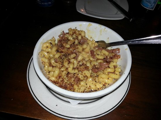 Scollay Square : Prosciutto and Truffle oil mac and cheese!!