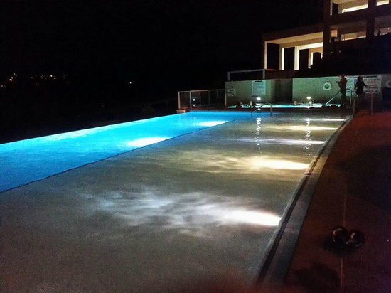 Valley View Casino Hotel: infinity pool