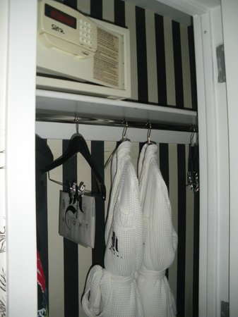 Night Theater District: Closet with safe and robes - Room 78