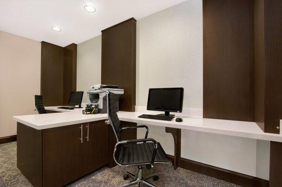 Wingate by Wyndham Richardson/Dallas: Business Center