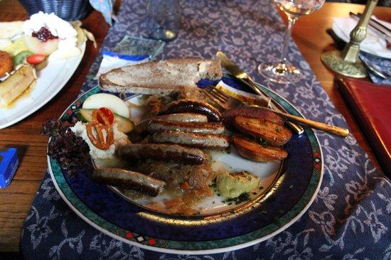Altfrankische Weinstube : Good traditional German meal...  yummy!
