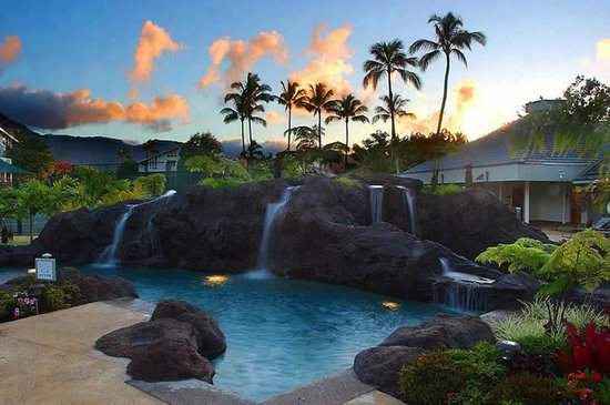 The Cliffs at Princeville: Pool at Sunset