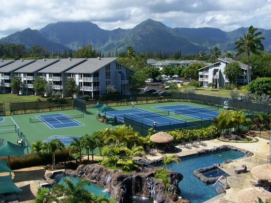 Cliffs at Princeville: Pool & Tennis Courts