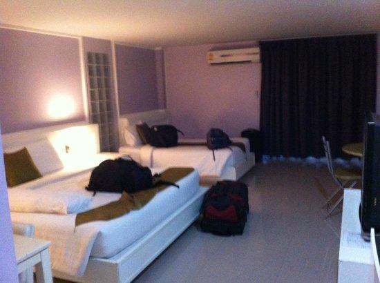 Convenient Grand Hotel: Room