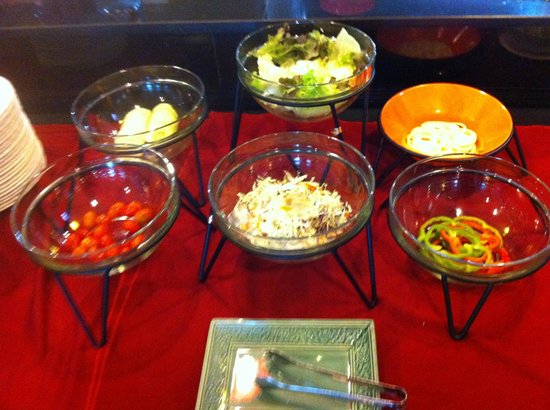Convenient Grand Hotel: Western breakfast buffet