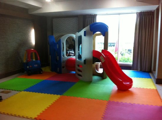 Convenient Grand Hotel : Kids play area in breakfast room - NICE!!!!