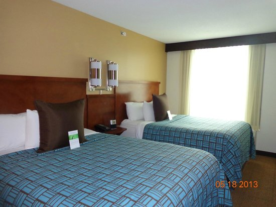 Hyatt Place Long Island East End: Queen beds