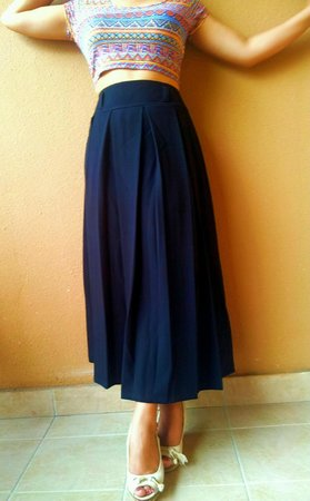 Khoi Custom Tailor : Black vintage-style high waisted pleated skirt